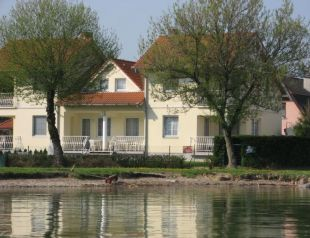 Vízparti nyaralók a Balatonnál - foglald le most!